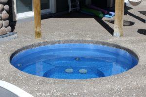 Sorrento Spa Round Sapphire Blue